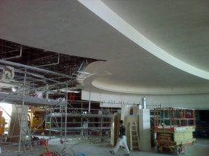 plafond sur-mesure en staff