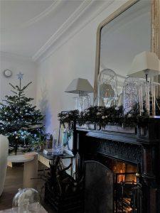 corniches de plafond en staff durant la période de Noel